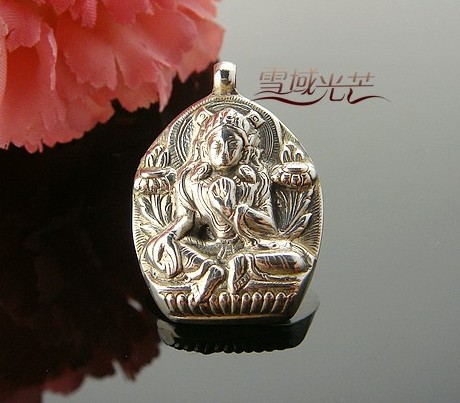 Handmade tibetan sterling silver green tara buddha pendant mozeypictures Images