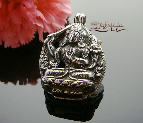 Tibetan manjusri buddha prayer box pendant handmade tibetan handmade tibetan sterling silver buddha prayer box pendant manjusri this buddha prayer box pendant was handcrafted by the local craftsmen from sterling aloadofball Image collections