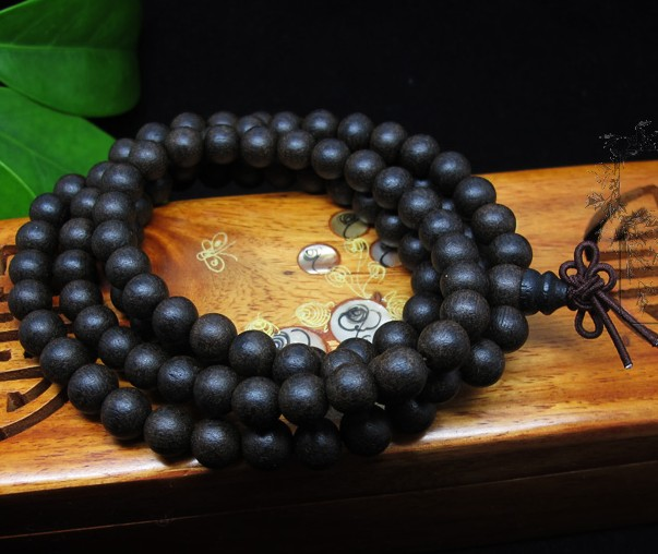 genuine agarwood mala