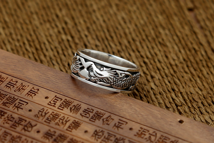 silver dragon spinning ring